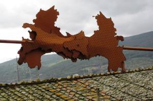 """""""L'Italia all'asta"""" 1994                                                                                                                           opera dell'artista Luciano Fabro"""